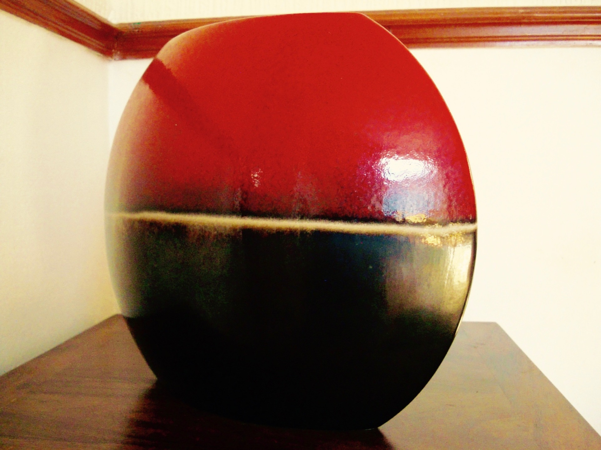 sphere-vase-side