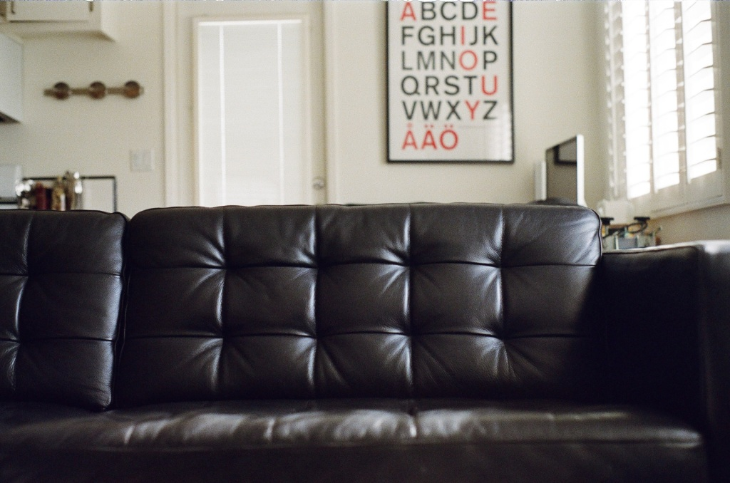 couch-furniture-living-room-sofa-photographer-jaymantri