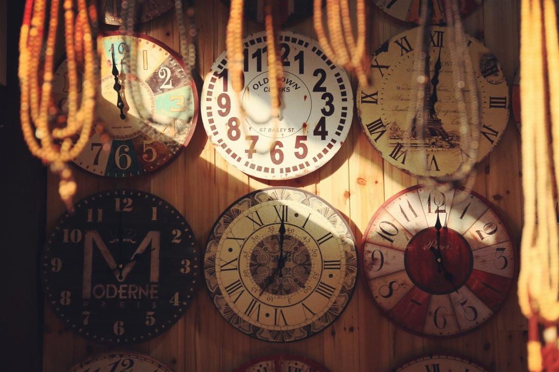 pexels-clocks-277371