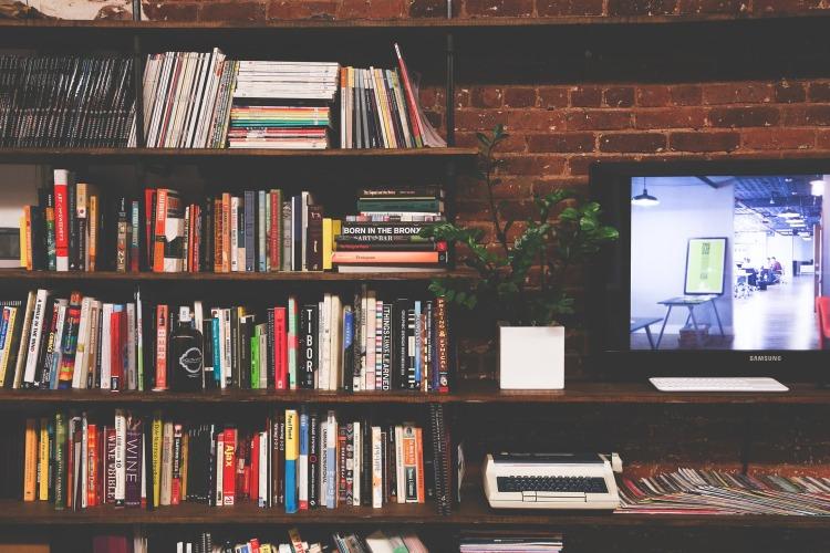 library-pixabay