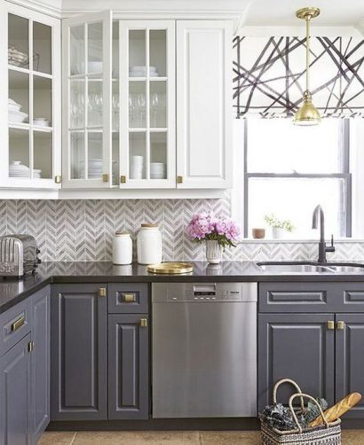 Two-toned kitchen - Pinterest