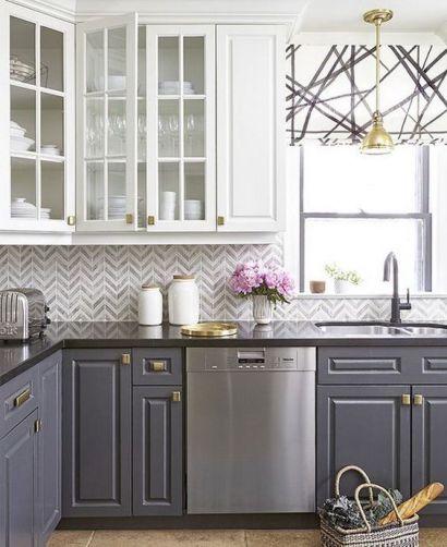 Two-toned kitchen - Pinterest