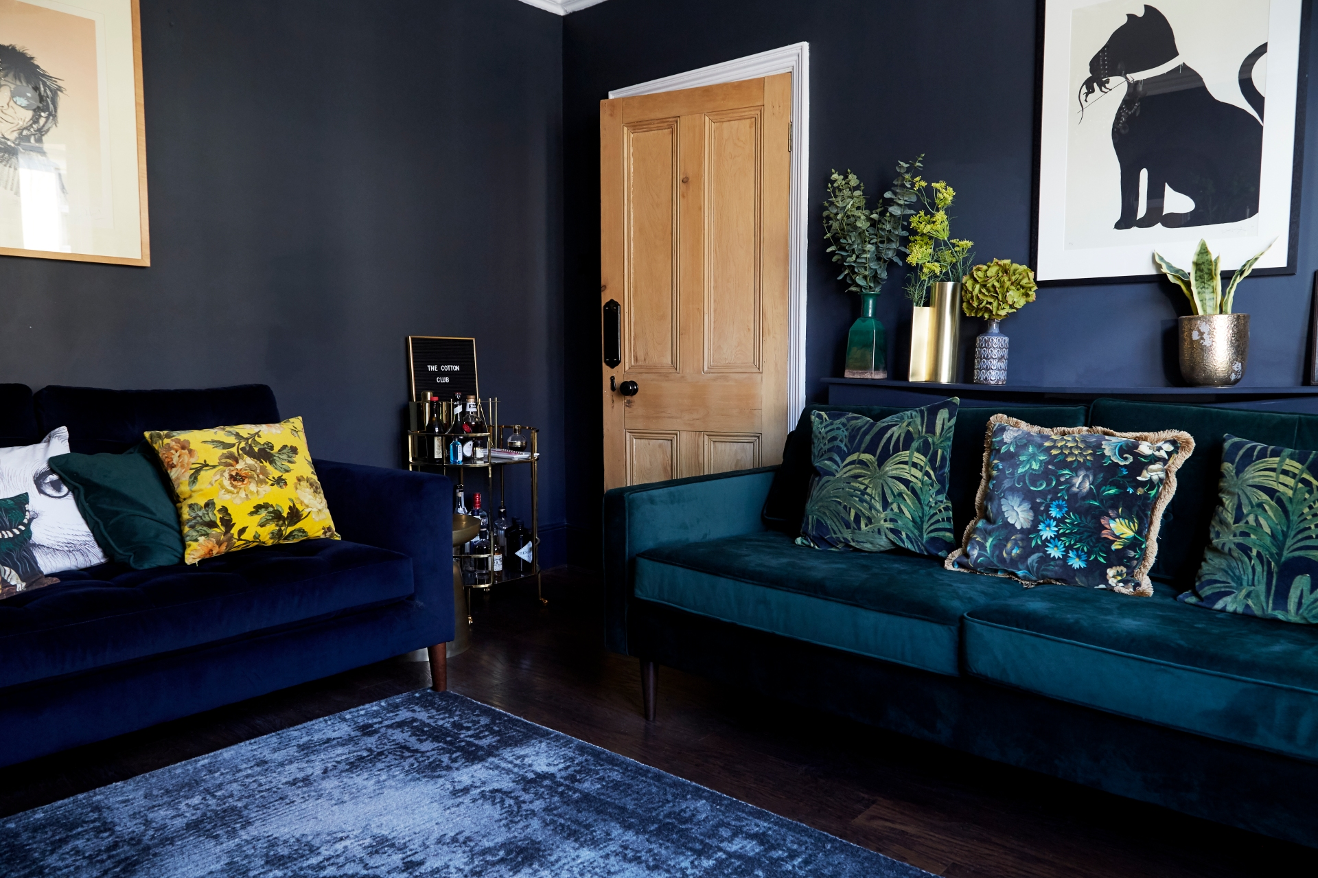 FRONT_ROOM_11