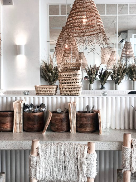 Natural woven decor
