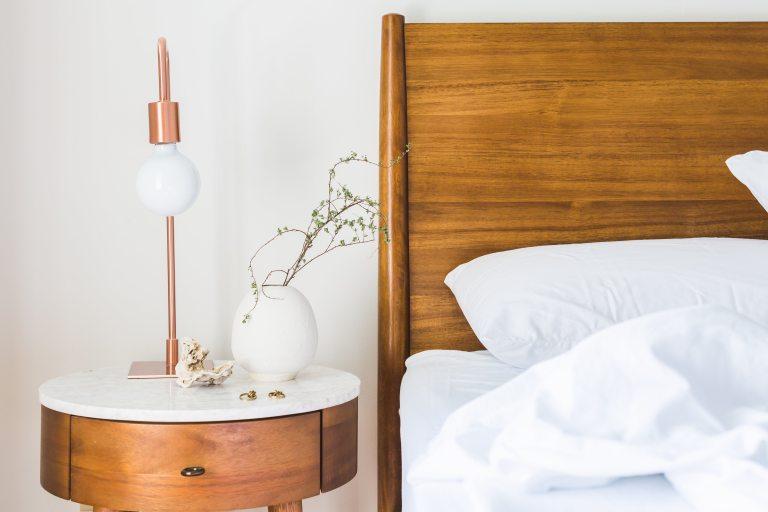 bed-bedroom-comfort-545046
