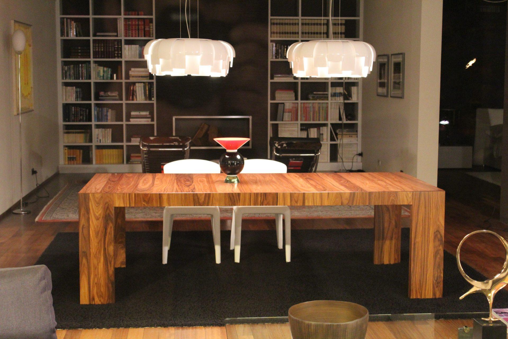 books-bookshelf-chairs-276651